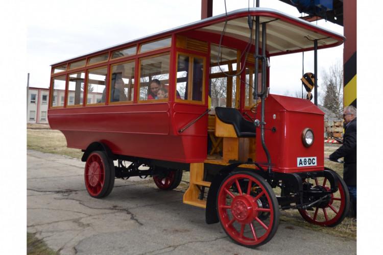 Dokument o výrobě repliky trolejbusu Cédes Stoll 1911